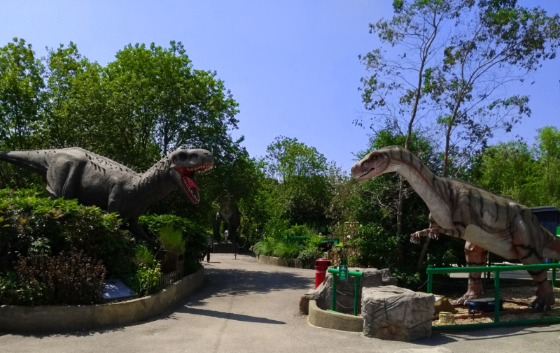 Looking for a Dinosaur Park? Where to See Dinosaurs in the UK